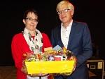 Bürgermeisterin Susann Falk mit Henning Onkes